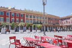 Gentil, Provance, Alpes, Cote d'Azur, français le 31 juillet 2018 ; Vue de la place de Massena d'endroit à Nice avec les tables r photos stock