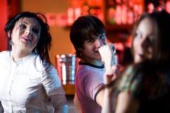 Gentilles filles dans le bar Images libres de droits