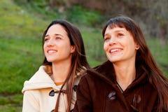 Gentilles soeurs en parc Image stock