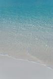 gentle белизна прибоя песка Стоковое Фото