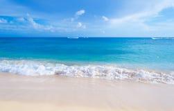 Gentle волны на песчаном пляже в Гаваи Стоковые Изображения