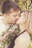 gentle kyssen Fotografering för Bildbyråer