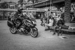 Genua, Italien - 21. April 2016: Italienische Polizei bemannt Lizenzfreie Stockfotografie