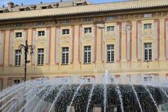 Genua, Italien 04/05/2019 Brunnen von Piazza de Ferrari stockbilder
