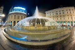 GENUA, ITALIEN - DEZEMBER, 19 2015 - guten Rutsch ins Neue Jahr und fröhliche Weihnachtsfeuerwerke Lizenzfreie Stockfotos