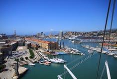 Genua Italien-fåglars ögonsikt av den antika hamnen Royaltyfri Bild