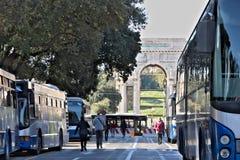 genua Italy 04/05/2019 Przystanek autobusowy obrazy royalty free