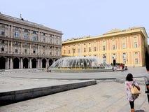 Genua, Ligurien, Italien, Quadrat De Ferrari, herzogliche Palastseite stockfotografie