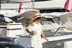 Genua 57th upplaga av den internationella båtmässan Arkivfoton