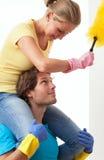 Genuss in der Hausarbeit stockfotografie