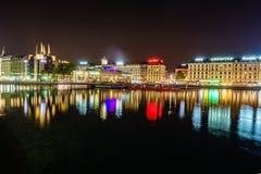 Genève på natten, Schweiz Arkivbilder