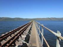 Geocaching dans Knysna sur un chemin de fer images libres de droits