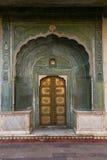 Geogous门在城市宫殿,斋浦尔 库存照片