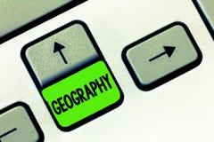 Geografi för ordhandstiltext Affärsidé för studien av fysiska särdrag av jord och dess atmosfärnatur arkivfoton