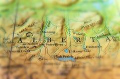 Geografische kaart van de staat Alberta van Canada met belangrijke steden royalty-vrije stock afbeelding