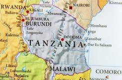 Geografische kaart van het land van Tanzania met belangrijke steden stock foto