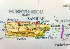 Geografische kaart van Puerto Rico met hoofdsan Juan Stock Afbeeldingen