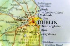 Geographische Karte des europäischen Landes Irland mit Hauptstadt Dublins stockbilder