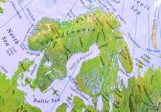 Geographisches Kartenteil von Europa von Skandinavien-Abschluss Stockbilder