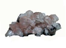Geologia: os cristais cor-de-rosa e brancos do cacite juntaram no whit isolado Imagem de Stock