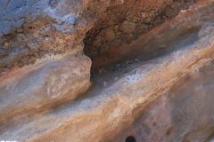 Geologie von verschiedenen Schichten des vulkanischen Felsens stockfoto