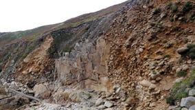 Geologische Schichten auf einer Klippenwand in Cornwall England Stockfoto