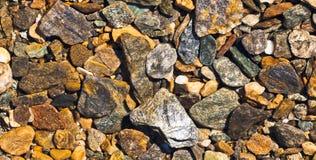 Geologisches Muster des natürlichen Hintergrundes des rauen Kieses Lizenzfreies Stockbild