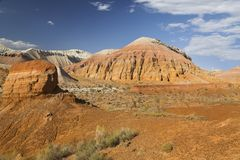 Geologiska bildande i Aaktau berg, Kasakhstan Arkivbilder