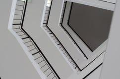 Geométrico en perspectiva El diseño del techo, mira para arriba Imagen de archivo libre de regalías