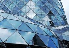 Geometria de alumínio do triângulo das estruturas de construção imagens de stock