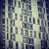 Geometria dos anos 60 do prédio de apartamentos Fotos de Stock