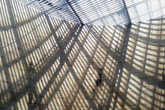 Geometria pelo sol em uma estação de Lisboa Imagem de Stock Royalty Free