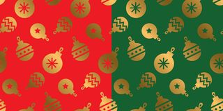 Geometric gold bauble silhouette. Xmas repeatable pattern. Classic red and green with gold seamless Christmas motif for background, wrapping paper, fabric Stock Photos