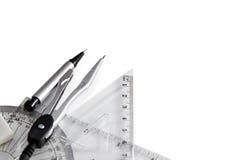 Geometrie stellte mit Kompaß, Tabellierprogramm und Winkelmesser ein Stockfotografie