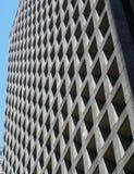 Geometrisch de bouwvoorgevel en vensterpatroon Stock Afbeeldingen