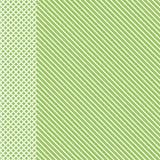 Geometrisch gestreept patroon met witte ononderbroken lijnen met geruit tussenvoegsel op lichtgroene achtergrond Vector royalty-vrije illustratie