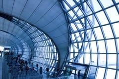 Geometrisch plafond in wachtkamer Royalty-vrije Stock Foto