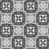 Geometrische arabische Verzierung mit weißem Dunklem und hellgrau Lizenzfreie Stockfotografie