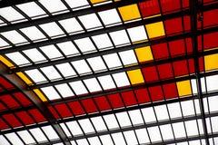 Geometrische Beschaffenheiten mit farbigen Fenstern stockbilder