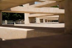Geometrische Betonkonstruktion stockfotografie