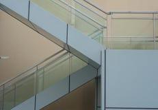 Geometrische Formulare der Treppenhäuser Lizenzfreie Stockfotografie