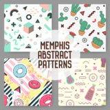 In Geometrische Geplaatste Elementen Naadloze Patronen Memphis Style Abstract Backgrounds Moderne Ontwerpaffiche Royalty-vrije Stock Afbeeldingen