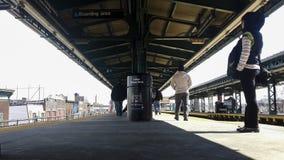 Geometrische Linien in der U-Bahnstation Lizenzfreie Stockbilder