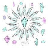 Geometrische polygonale farbige Kristalle mit Federn Stockbild