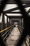 Geometrische stedelijke brug Stock Foto