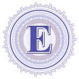 Geometrische Verzierungen des Vektors Guilloche-Rosetten mit Buchstaben E Stockbild