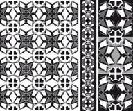 Geometrischer abstrakter Holzschuh Schwarzweiss stockfotografie