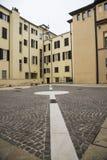 Geometrischer Stadtplatz Stockfoto