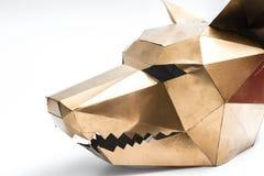 Geometrisches Wolfkopf-Goldtier der Maske 3D stockfotos