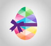 Geometrisk form av ägget Triangulärt påskägg och Royaltyfria Foton